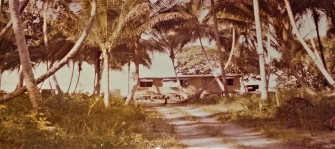 tufabi house & driveway